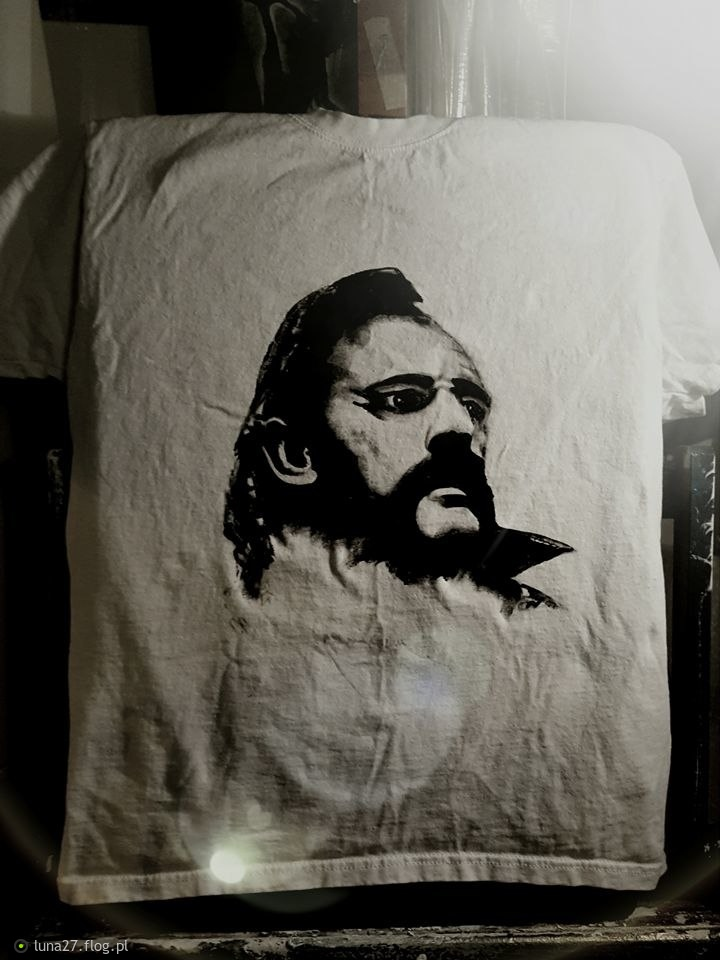 """Work in progress. 😉 """"...Live to Win.....""""- czyli mój specjalny koszulek. KOSZULKA NIE NA SPRZEDAŻ !!!"""
