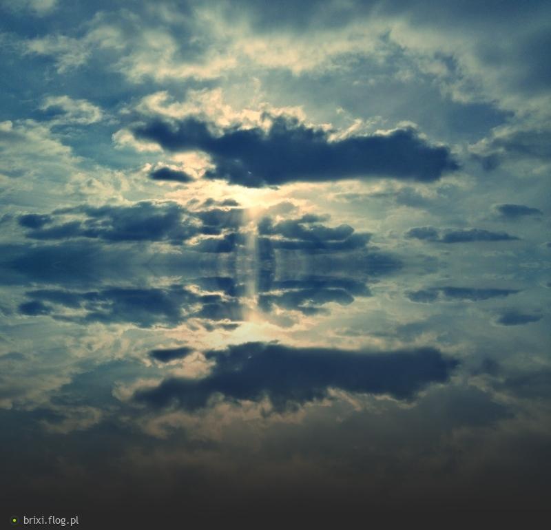 `Nigdy się nie poddawaj bo jeśli przejdziesz najgorsze chwile, to znaczy, że zasługujesz na te najlepsze` :)