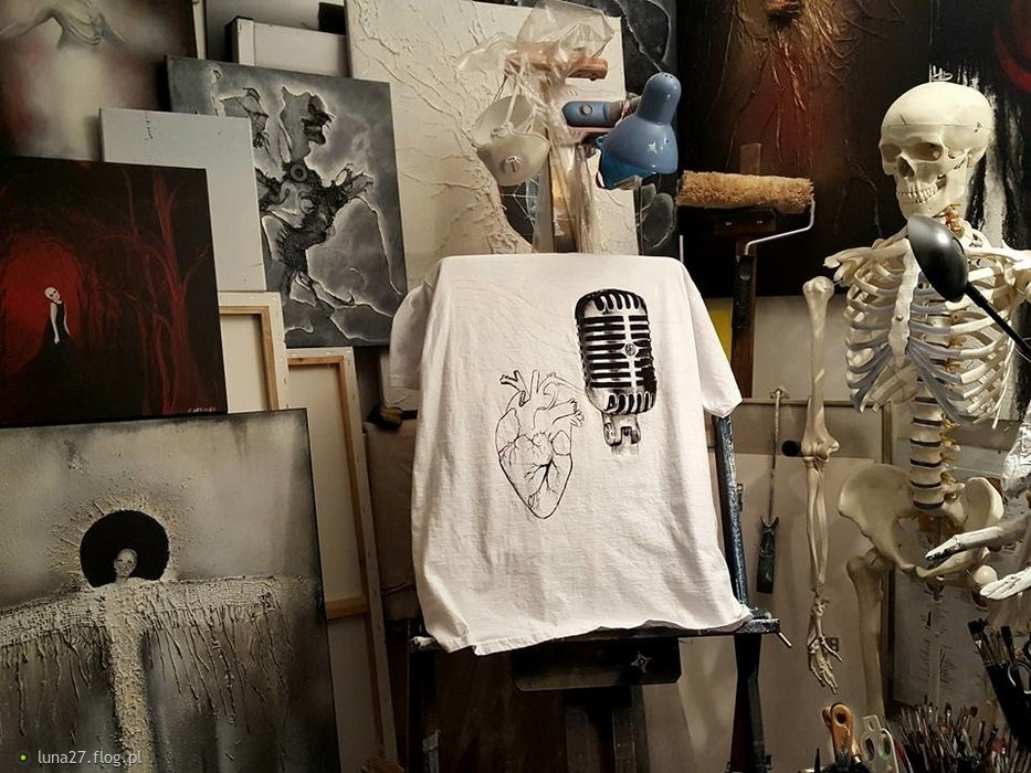 "Work in progress.... Projekt koszulki arcyspecjalny ""Vide cor meum"". © Katarzyna Urbanek"
