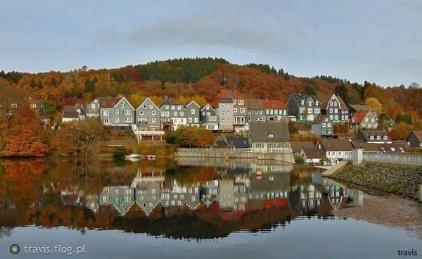 http://s21.flog.pl/media/foto_middle/11517603_jesiennie-bez-wiatru.jpg