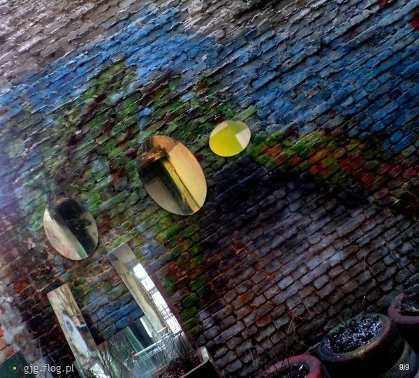 http://s21.flog.pl/media/foto_middle/11633571_szklane-oczy.jpg