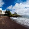 Praia dos Santos e Igreja<br /> de São Roque. São Roque,<br /> São Miguel Island / Azor<br />es (Açores)